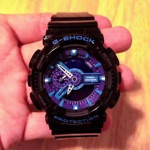 LIMITED EDITION Casio G-Shock watch blue/purple